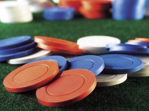 bluffing in online poker